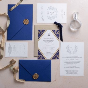 Wedding invitation session-square bline